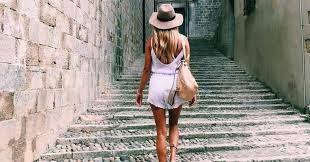 صورة اتيكيت المشي للبنات بالصور , صور لفنون المشي عند البنات
