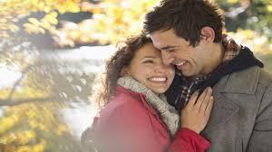 بالصور كيف تعرفين انه يحبك , علامات الحب الفاضحة 3127 1