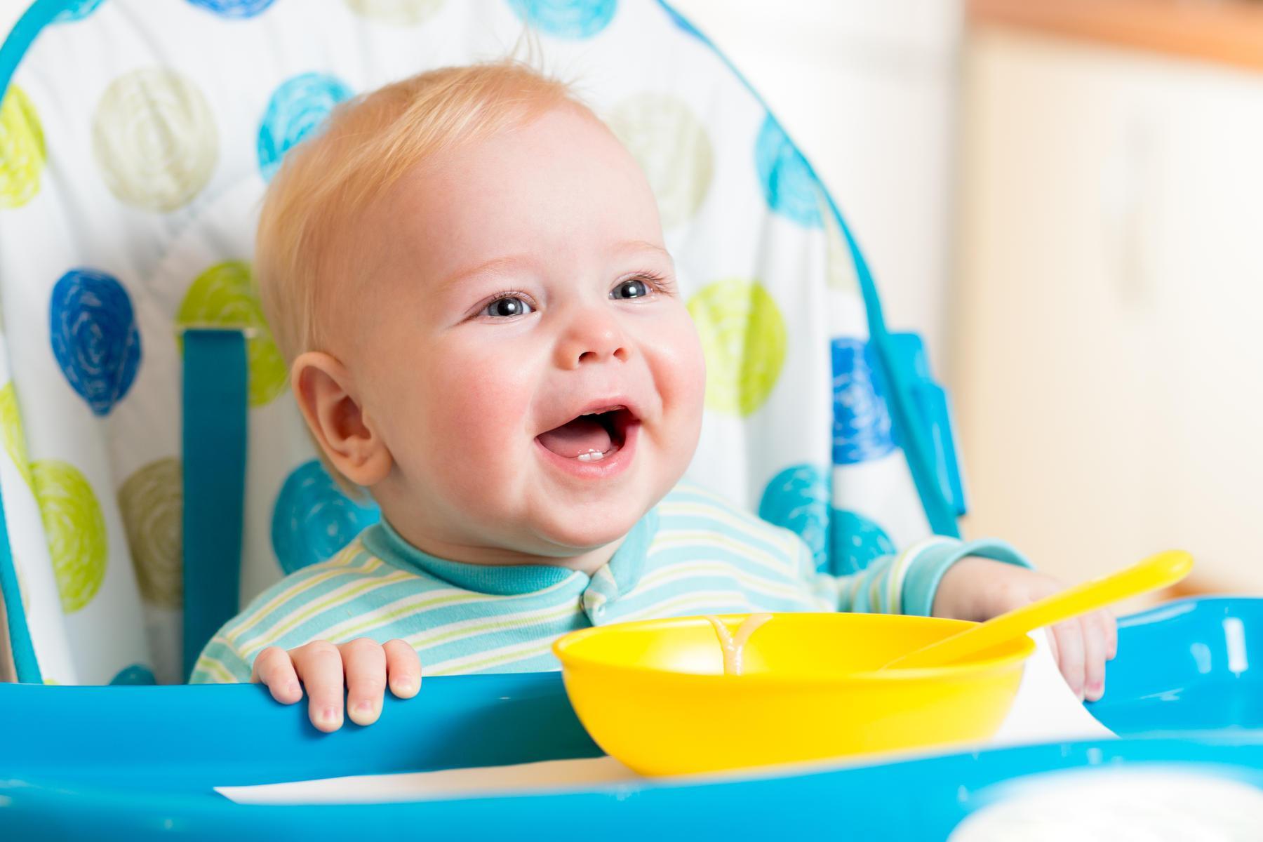 صور متى ياكل الرضيع , التعامل مع تغذية الطفل