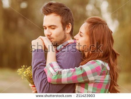 بالصور صور احضان رومانسيه , صور رومانسيه جدا نادره ومختلفه 6255 5