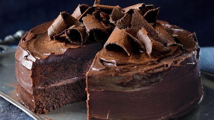 صورة طريقة عمل الكيك بالشوكولاتة سهلة , اسهل طريقة لكيك الشوكولاته