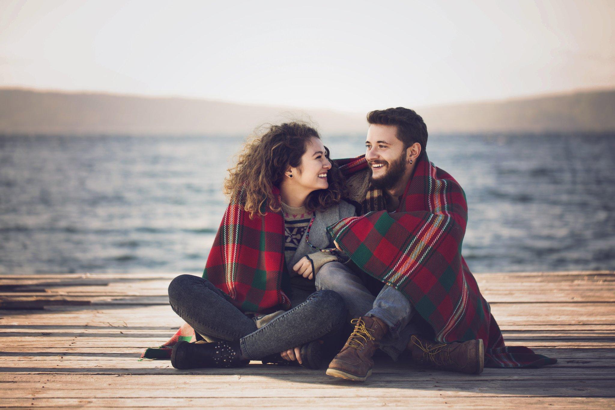 صورة صور رومانسيه للعشاق , اجمل تصاميم عاطفية عن الحب
