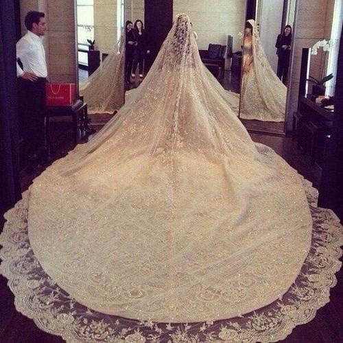 بالصور فساتين زفاف فخمه , اجمل فساتين الزفاف 4839 1