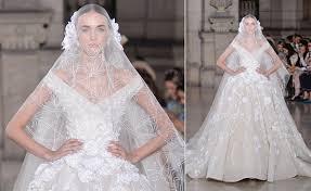 بالصور فساتين زفاف فخمه , اجمل فساتين الزفاف 4839 7