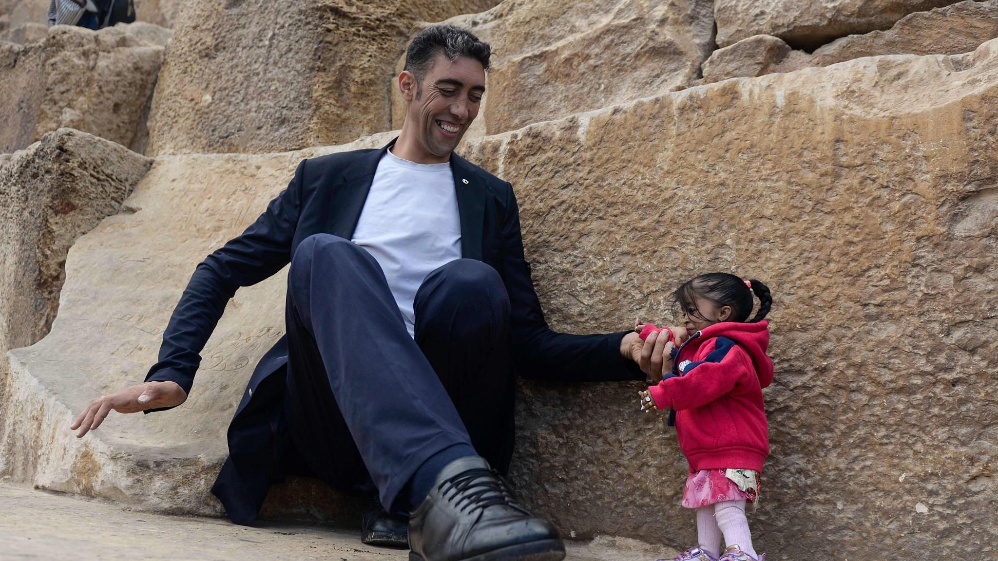 صورة اطول رجل في العالم , صور اطول شخص فى العالم