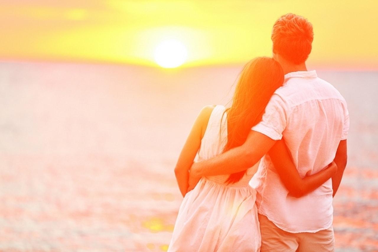 صور كيف تعرف شخص يحبك , طرق التعرف على حب شخص لك