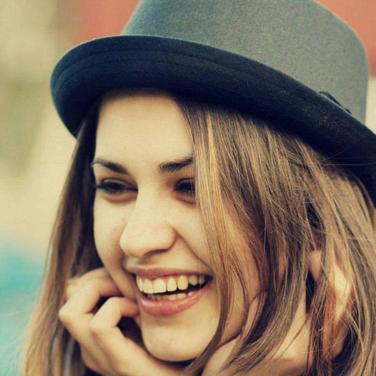 بالصور صور بنت تضحك , اجمل صورة لفتاة ضاحكة