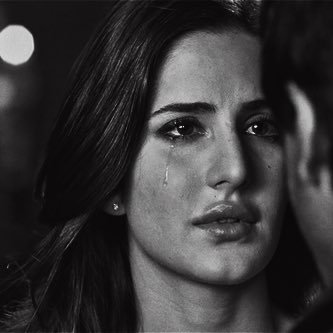 صوره بنات حزينه , بنات خيم عليها الحزن