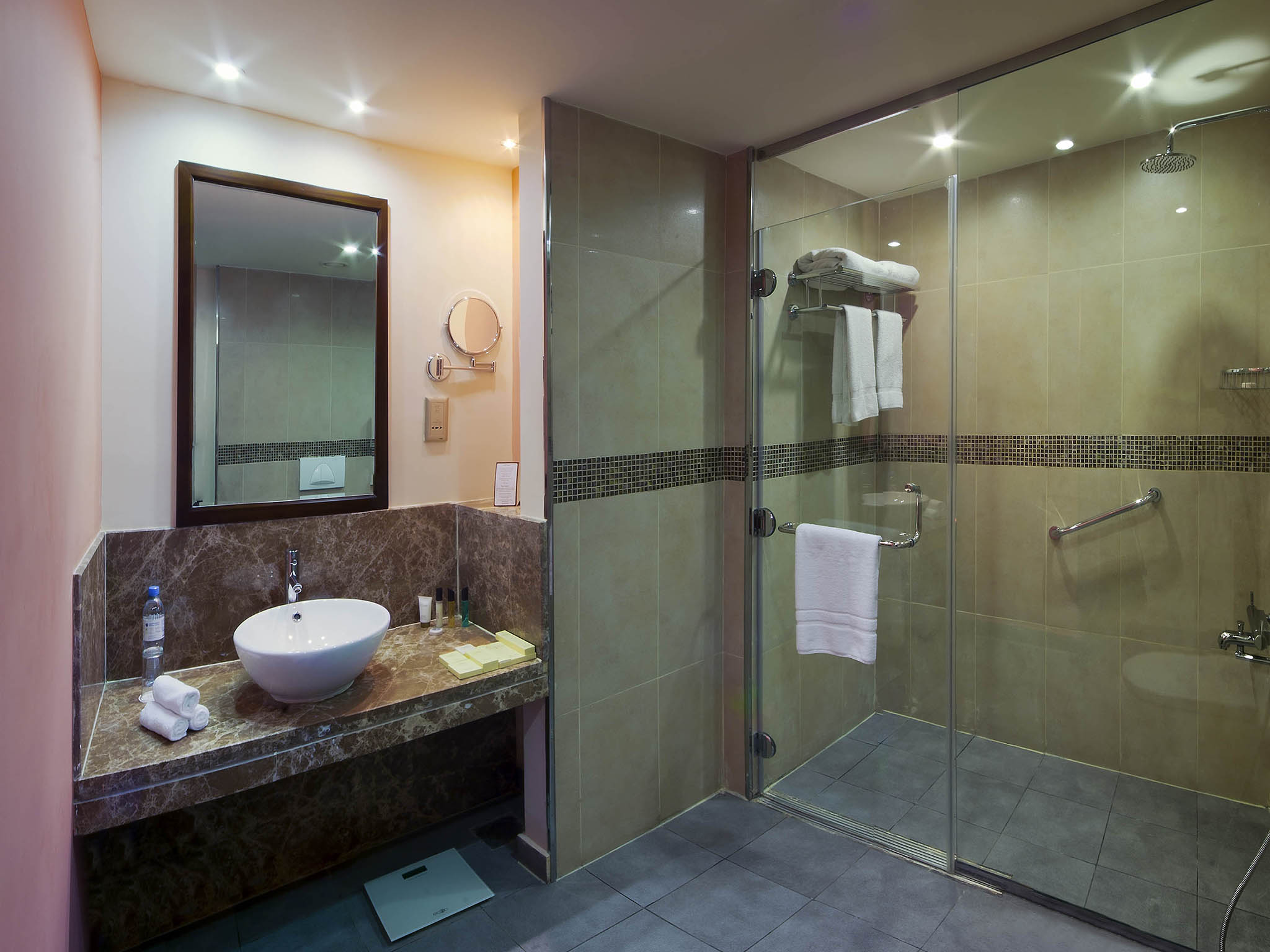 بالصور حمامات فنادق , افخم حمامات الفنادق 4881 10