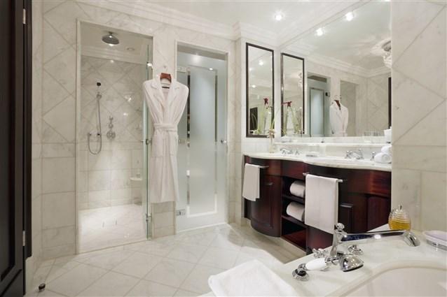 بالصور حمامات فنادق , افخم حمامات الفنادق 4881 3