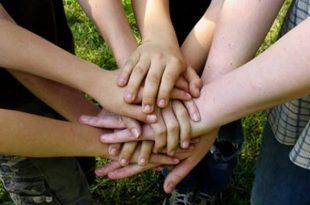 بالصور تعبير عن التعاون , لطلاب المدارس تعلموا كيفيه كتابه موضوع رائع عن التعاون 5101 3 310x205