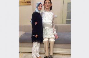 صوره اطول امراة في العالم , من هي اطول امراءه في العالم ومعلومات عنها