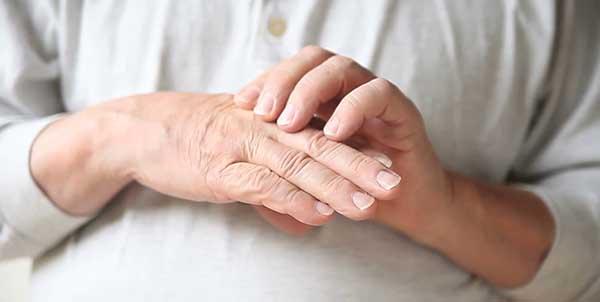 صورة ما سبب وجع اصابع اليد , مدى خطورة اصابع اليد