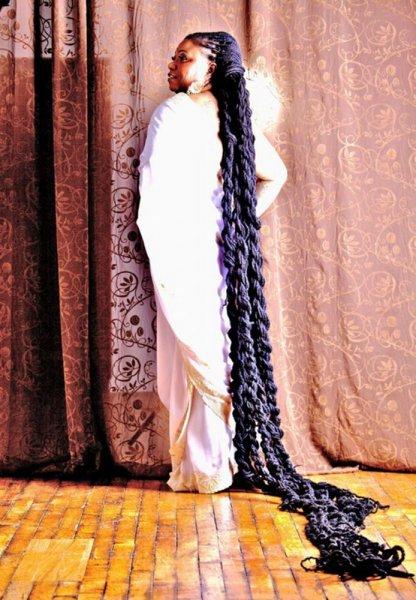 بالصور صور صاحبة اطول شعر في العالم , بنت لديها شعر معجزة 12650