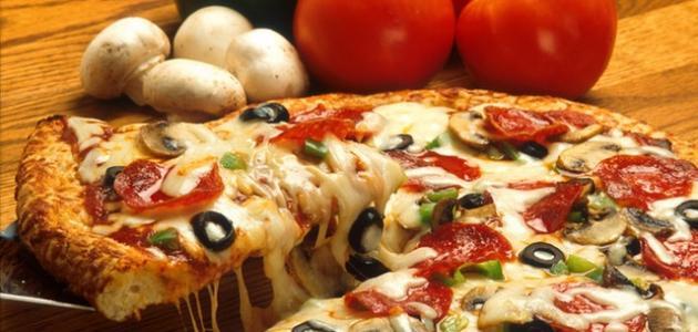 بالصور كيف عمل البيتزا في البيت , بيتزا المطاعم بالمنزل 12655 1