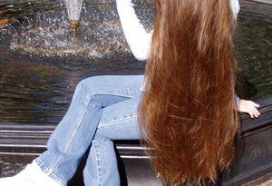 صورة خلطات لتطويل الشعر وتكثيفه , وصفات طبيعية للشعر
