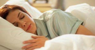 صور النوم على البطن في الحمل , وضعية النوم الافضل للحامل