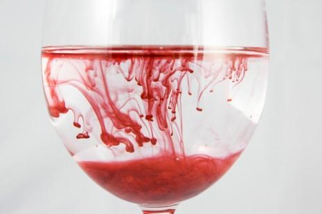 بالصور حلم خروج الدم من الفرج , الدم في المنام 12876