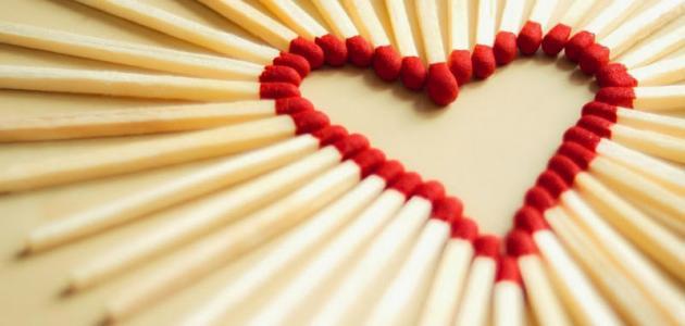 صورة كيف تعرف ان الشخص يحبك علم النفس , مؤشرات تدل على حب الاشخاص لك