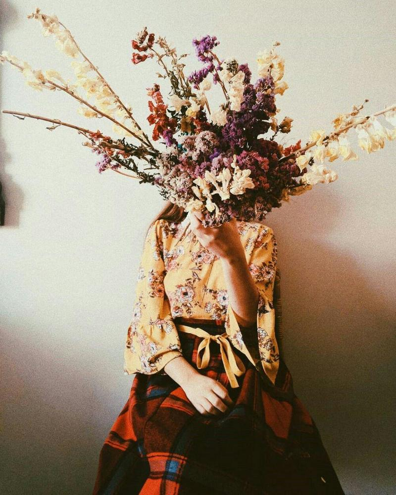 صورة بنات مع ورد , صور فتيات بزهور