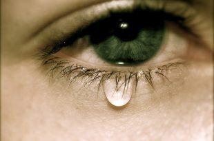 صورة صور دموع حزينه , اجمل دموع واهات