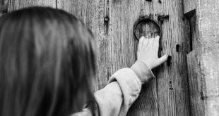 تفسير طرق الباب في المنام